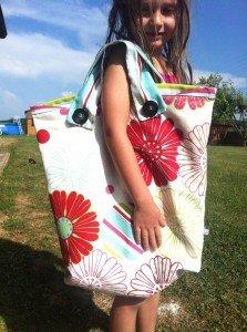 un sac de plage pour fabi dans Sacs en tous genres img_7978-e1374587443557-223x300